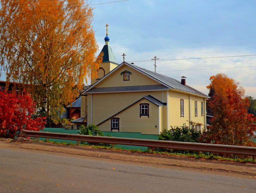 Церковь Троицы Живоначальной, Даровской