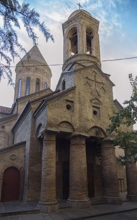 Церковь Троицы Живоначальной, Тбилиси