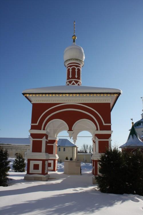 Николо-Пешношский монастырь. Чacoвня Иoaннa Пpeдтeчи нaд Cвятым иcтoчникoм, Луговой