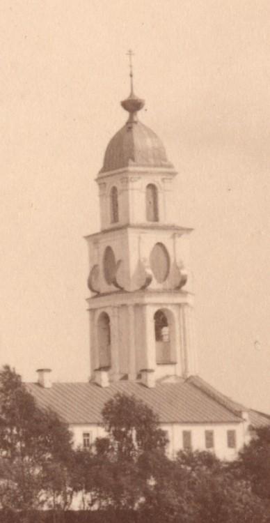Спасо-Преображенский Геннадиев монастырь. Колокольня, Слобода