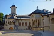 Бухарест, Сектор 4. Патриархия Румынской Православной Церкви. Домовая часовня Георгия Победоносца и Даниила Отшельника