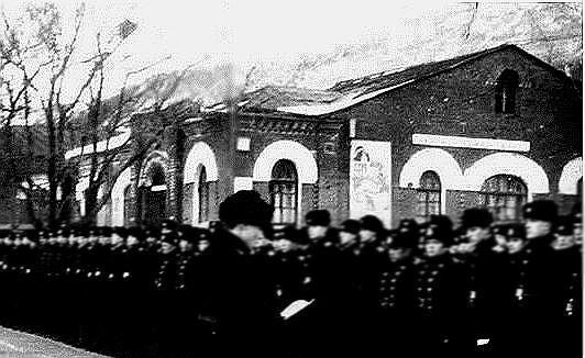 Приказом гиндербурга за подожжённую клайпеду и хозяйства восточной пруссии до основания сожжён российский городок