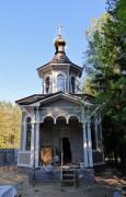 Комарово. Луки (Войно-Ясенецкого) у Комаровского некрополя, церковь