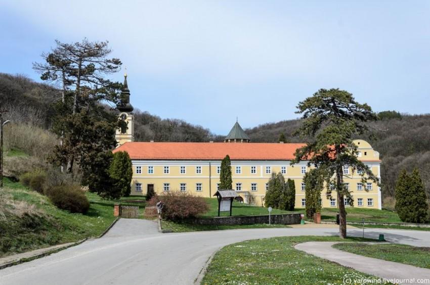 Монастырь Николая Чудотворца, Ириг