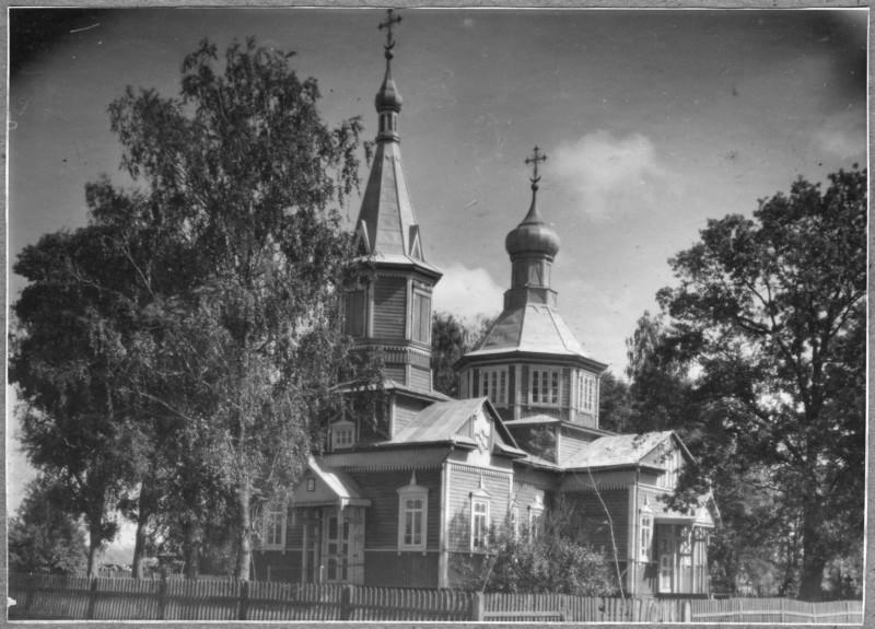 Церковь Воздвижения Креста Господня, Локница