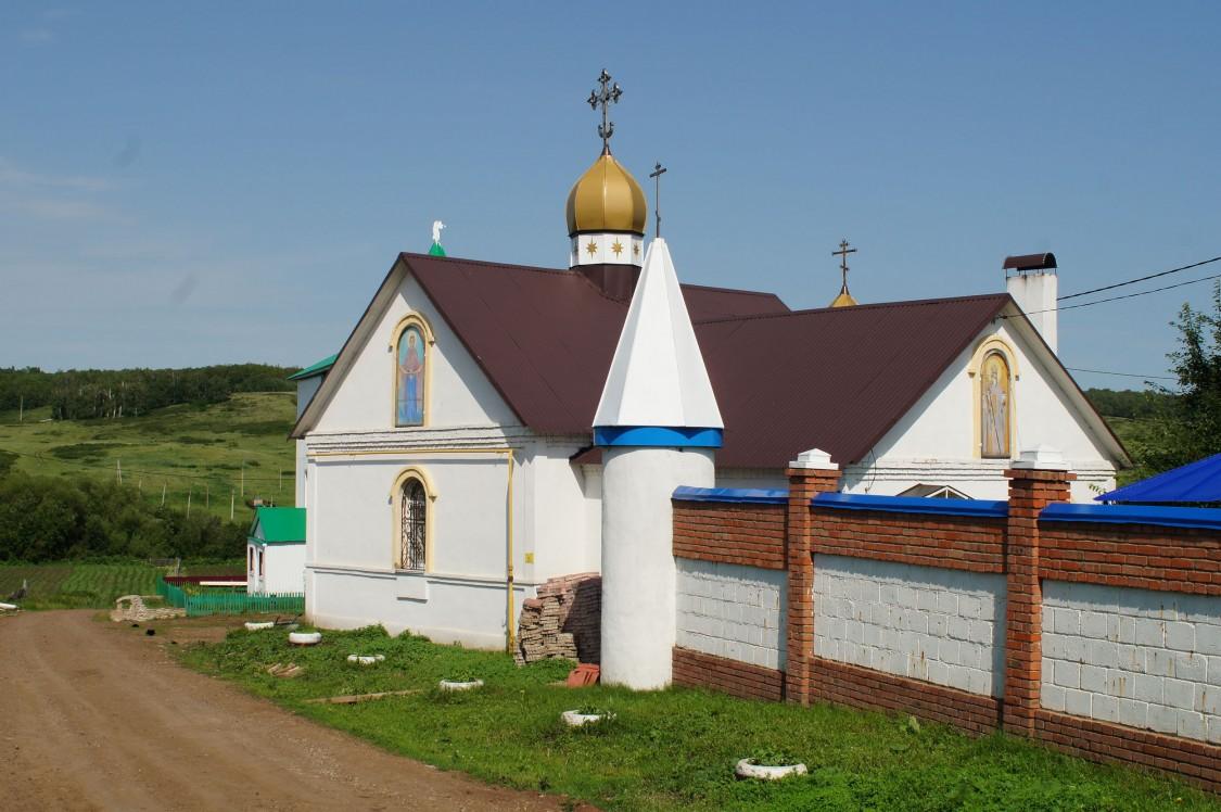 Покровский Эннатский мужской монастырь. Церковь Владимира равноапостольного, Новомихайловка