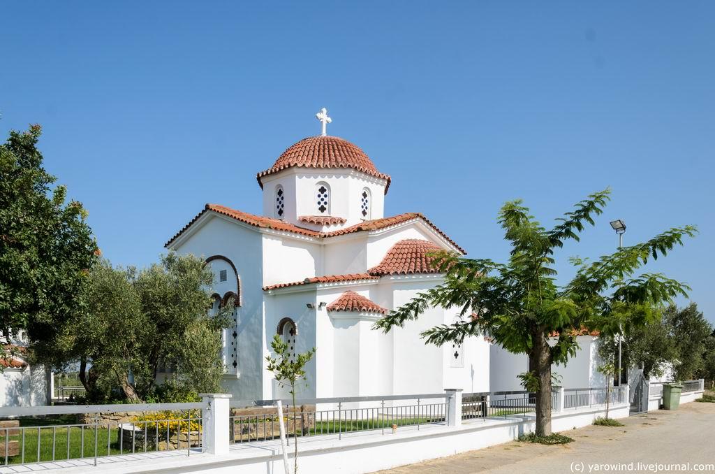 Церковь Рафаила, Николая и Ирины, Кассандрия