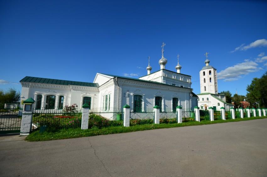 Храмовый комплекс. Собор Троицы Живоначальной и церковь Иоанна Милостивого, Цивильск