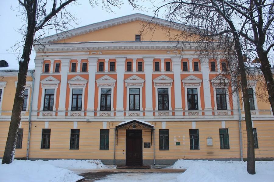 Домовая церковь Трёх Святителей при Государственном университете, Псков