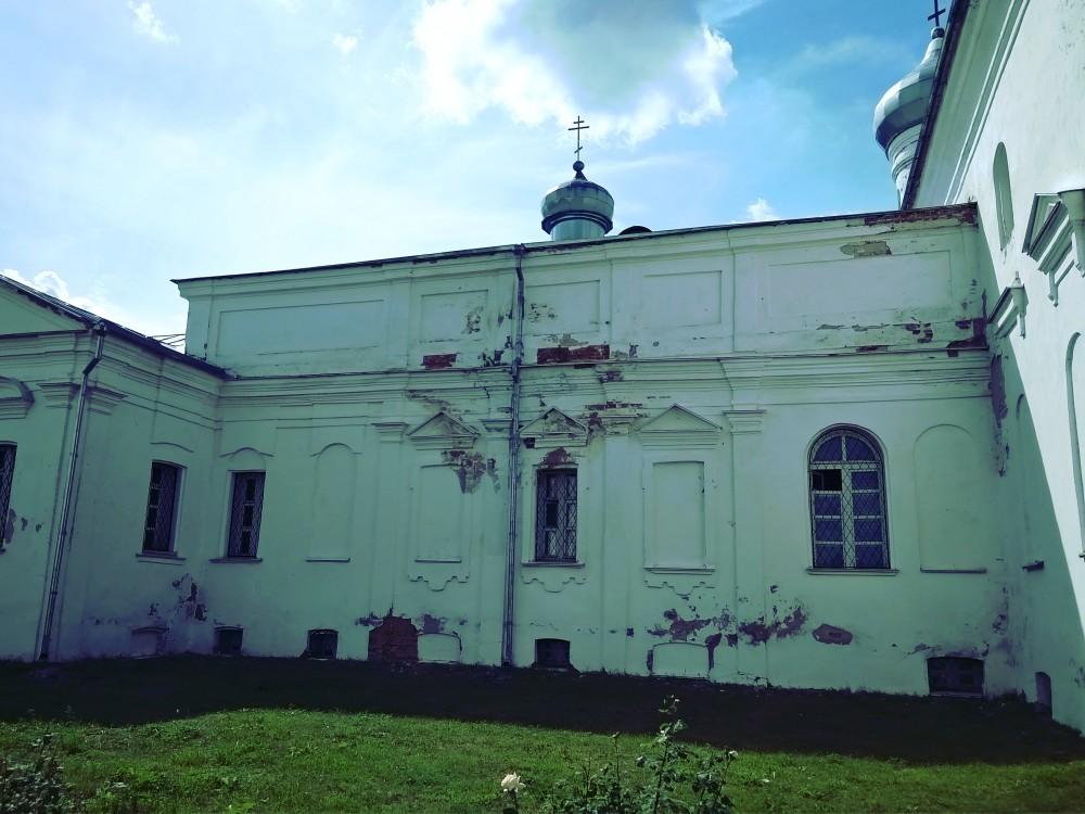 Юрьев мужской монастырь. Церковь Всех Святых, Юрьев