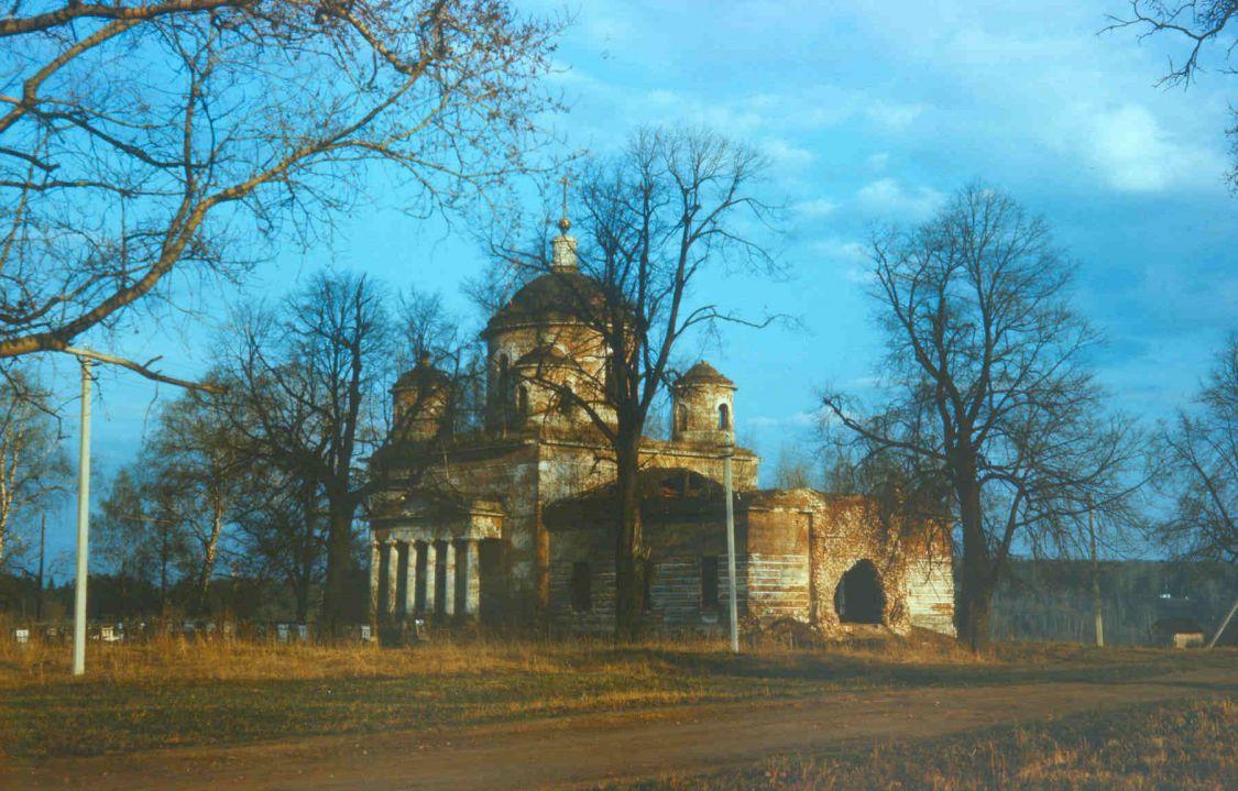 Московская область, Сергиево-Посадский городской округ, Подсосино. Церковь Успения Пресвятой Богородицы, фотография.