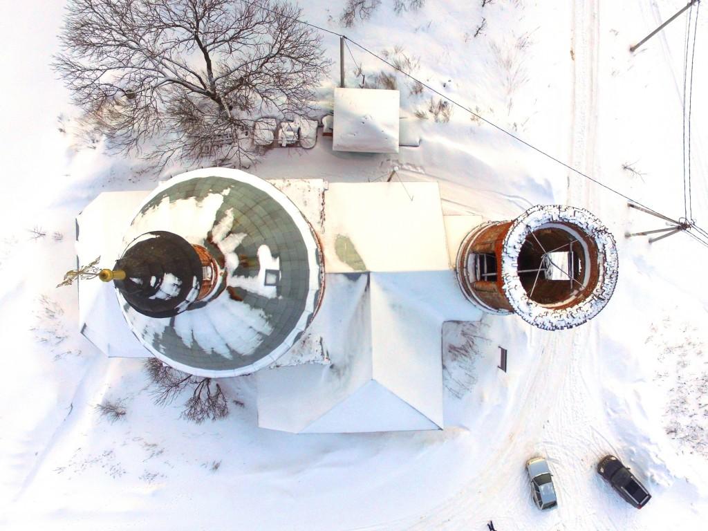 Московская область, Сергиево-Посадский городской округ, Парфеново. Церковь Богоявления Господня, фотография. общий вид в ландшафте, Вид сверху, фото с квадрокоптера