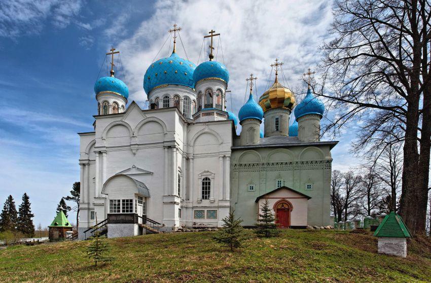 Покровский Авраамиево-Городецкий монастырь, Ножкино