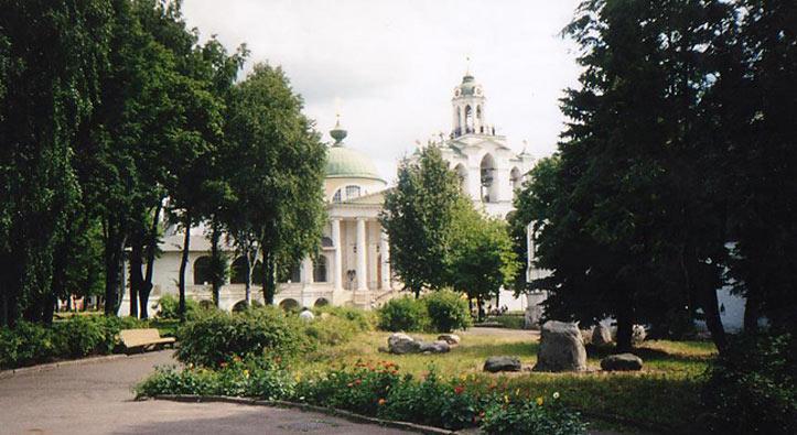 Ярославская область, Ярославль, город, Ярославль. Спасо-Преображенский монастырь, фотография. общий вид в ландшафте
