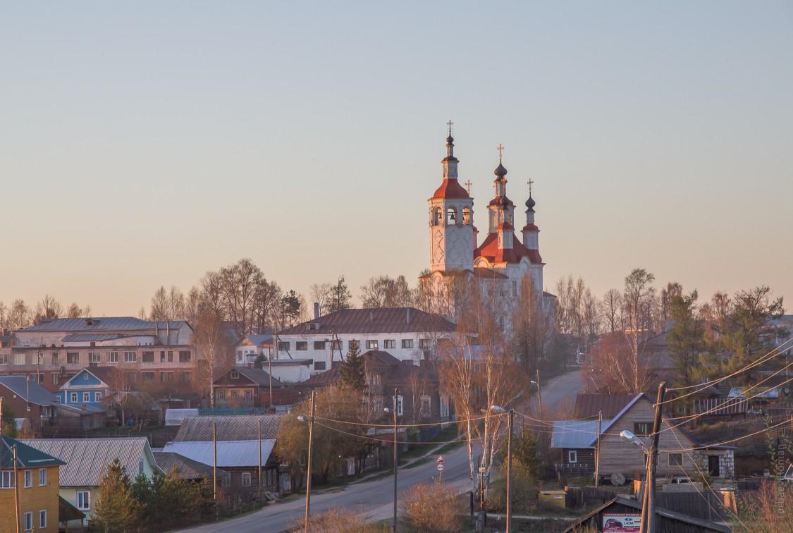 Вологодская область, Тотемский район, Тотьма. Церковь Входа Господня в Иерусалим, фотография. фасады, Вечерний вид с юго-запада