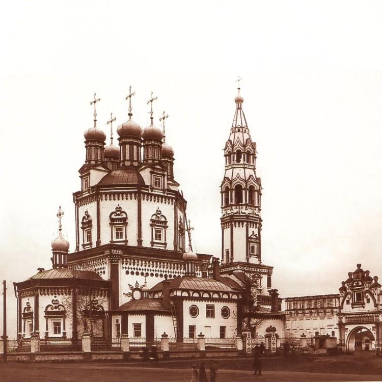 кушвинский свято троицкий собор все фото характерной формы остекления