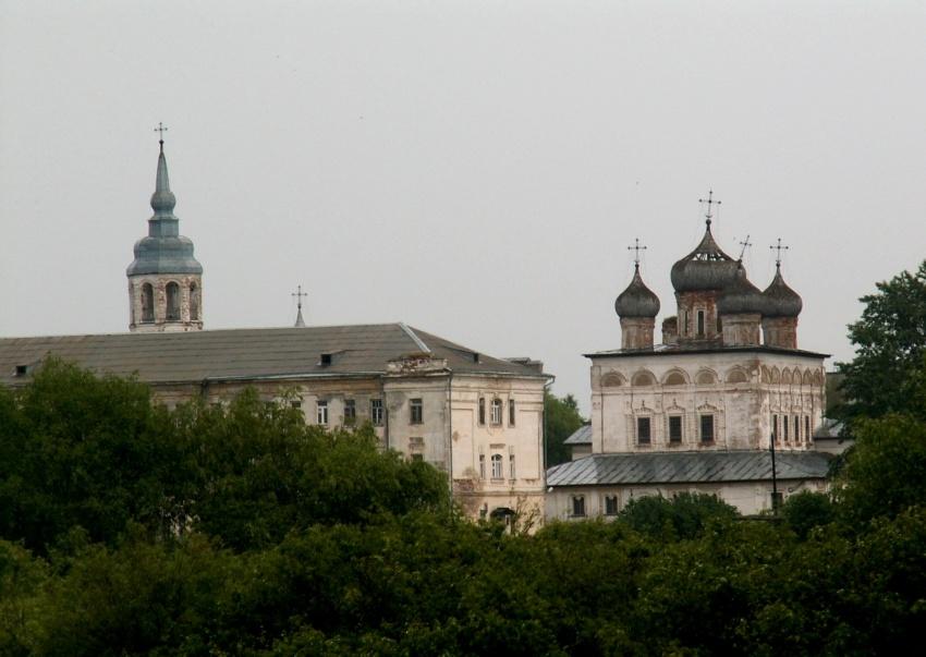 Новгородская область, Великий Новгород, город, Великий Новгород. Деревяницкий монастырь, фотография. общий вид в ландшафте