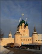 Ростов. Митрополичий двор. Надвратная церковь Иоанна Богослова