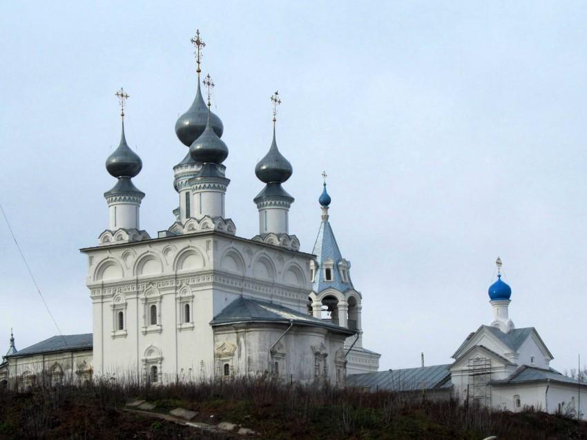 Владимирская область, Муромский район и г. Муром, Муром. Воскресенский монастырь, фотография. фасады, вид на монастырские храмы с юго-восточной стороны