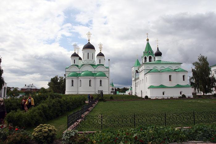 Владимирская область, Муромский район и г. Муром, Муром. Спасский мужской монастырь, фотография. общий вид в ландшафте