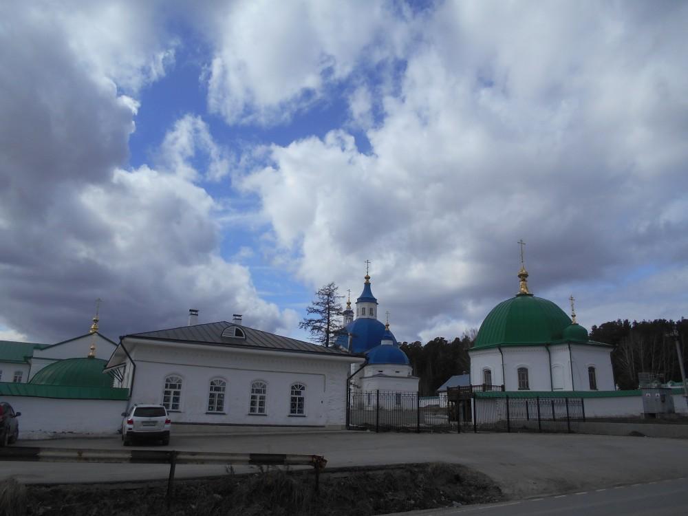 Тюменская область, Тобольский район и г. Тобольск, Прииртышский. Иоанно-Введенский Междугорский монастырь, фотография.