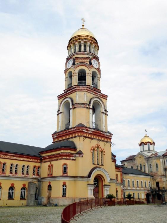 Прочие страны, Абхазия, Новый Афон. Новоафонский монастырь Симона Кананита, фотография. фасады, колокольня