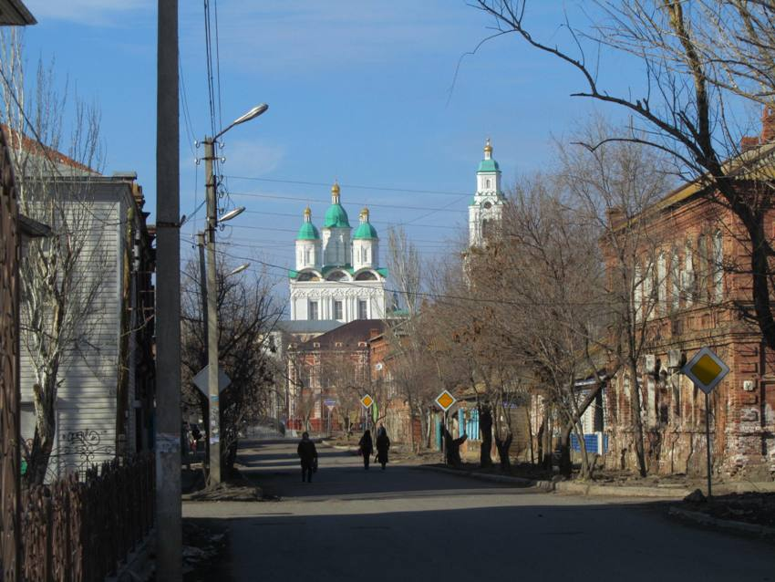 Кремль. Кафедральный собор Успения Пресвятой Богородицы с Пречистенской надвратной колокольней, Астрахань