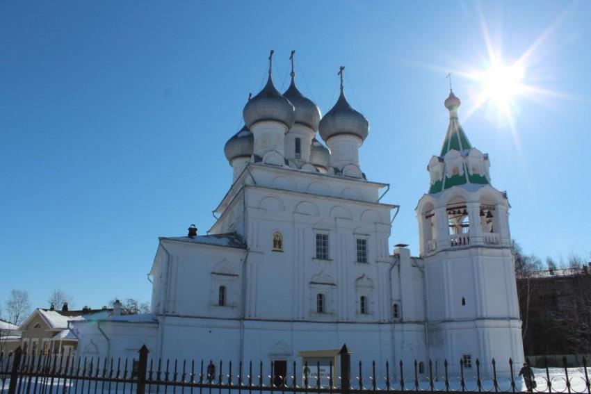 Вологодская область, Вологда, город, Вологда. Церковь Константина и Елены, фотография. общий вид в ландшафте