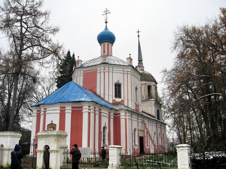 Церковь Воскресения Христова, Прутня