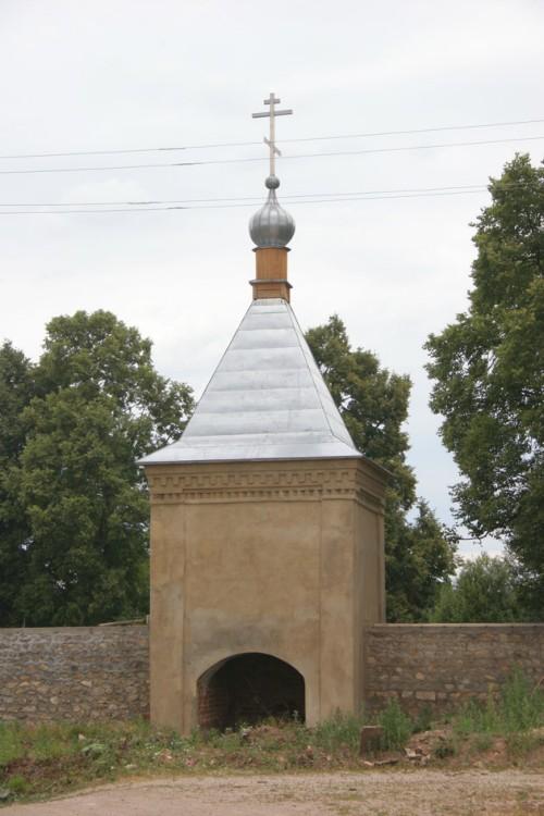 Калужская область, Мещовский район, Искра. Георгиевский монастырь, фотография. фасады, Одна из башен