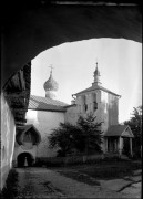 Печоры. Успенский Псково-Печерский монастырь. Надвратная церковь Святителя Николая Чудотворца