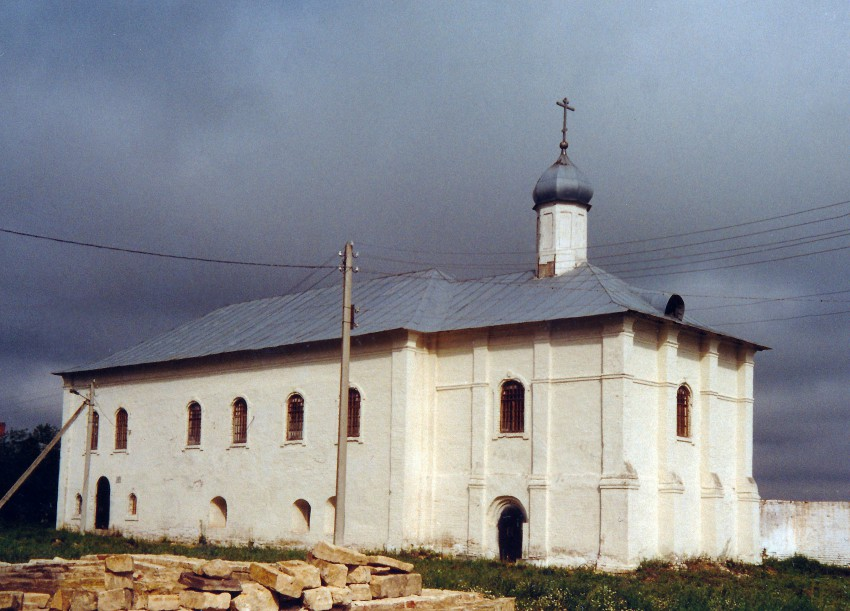 Лужецкий Ферапонтов монастырь. Церковь Введения во храм Пресвятой Богородицы, Можайск