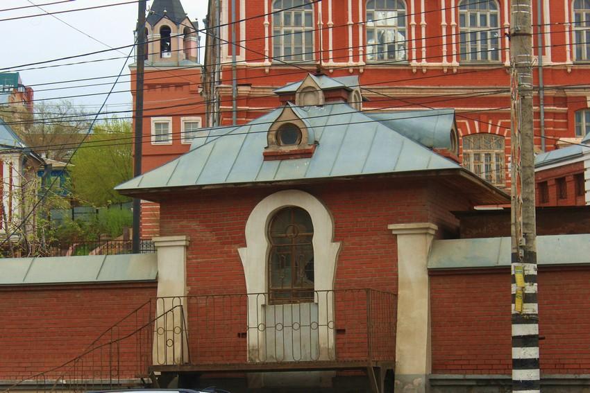 Самарская область, Самара, город, Самара. Иверский женский монастырь, фотография. архитектурные детали, Башня-сторожка, вид с противоположной стороны Волжского проспекта