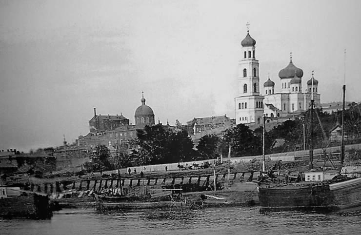 Самарская область, Самара, город, Самара. Иверский женский монастырь, фотография. архивная фотография, Вид с Волги, фотография примерно 1925 года. Источник - сайт