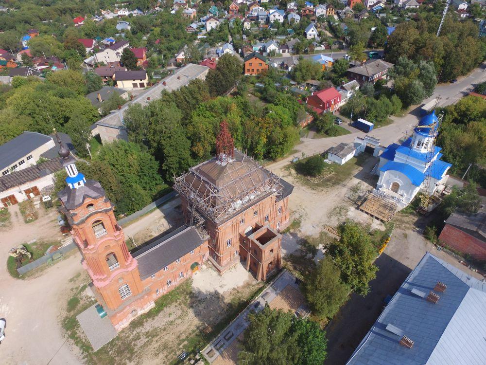 Калужская область, Калуга, город, Калуга. Лаврентьев монастырь, фотография. общий вид в ландшафте
