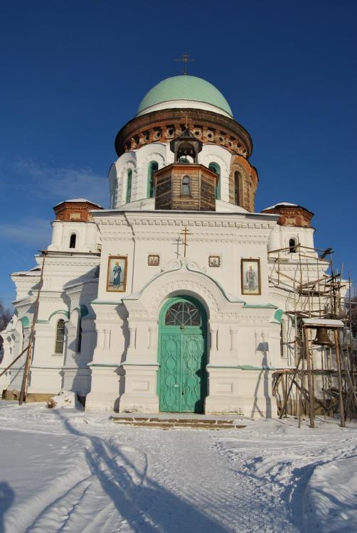 Свердловская область, Нижняя Салда (ГО Нижняя Салда), Нижняя Салда. Церковь Александра Невского, фотография. фасады
