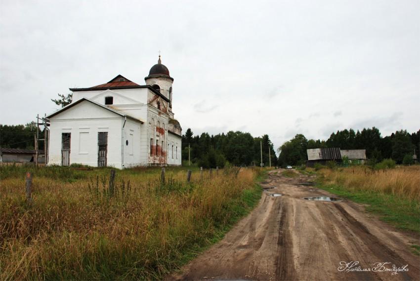 Вологодская область, Вологодский район, Пески. Церковь Антония Великого, фотография. общий вид в ландшафте