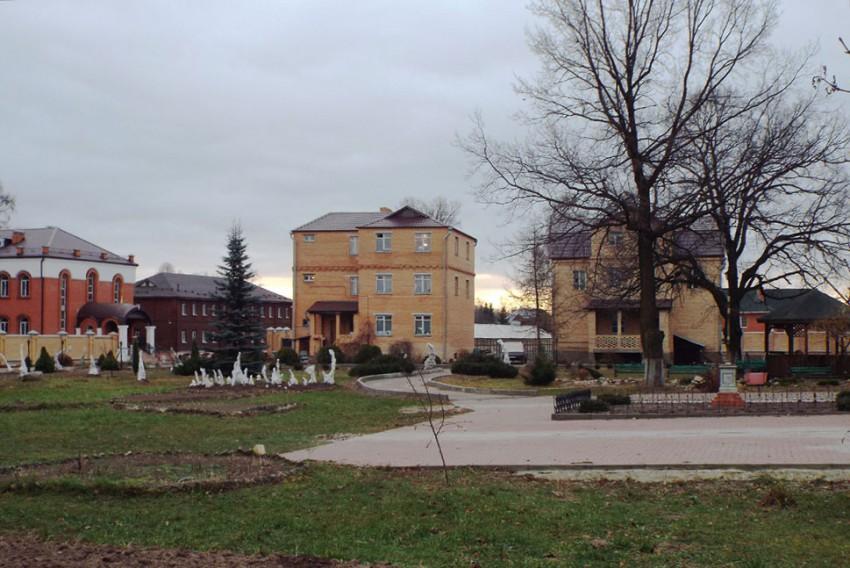 Покровско-Васильевский мужской монастырь, Павловский Посад