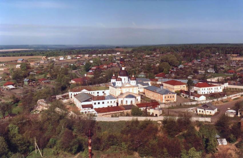 Нижегородская область, Богородский район, Оранки. Оранский Богородицкий мужской монастырь, фотография. общий вид в ландшафте,