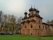 Великий Новгород. Духов монастырь. Церковь Троицы Живоначальной