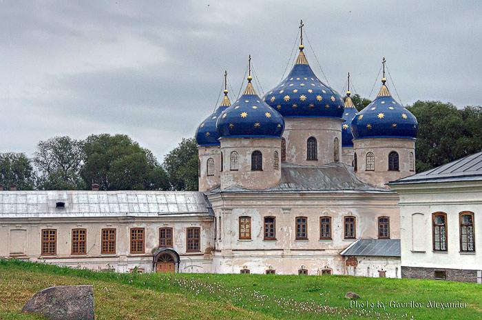 Юрьев мужской монастырь. Собор Воздвижения Креста Господня, Юрьево