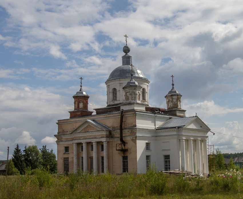 Церковь Троицы Живоначальной, Воронье