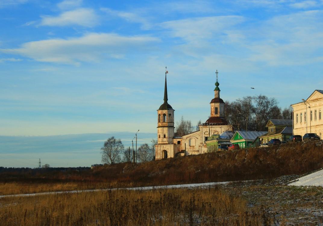 Вологодская область, Великоустюгский район, Великий Устюг. Церковь Илии Пророка, фотография. общий вид в ландшафте