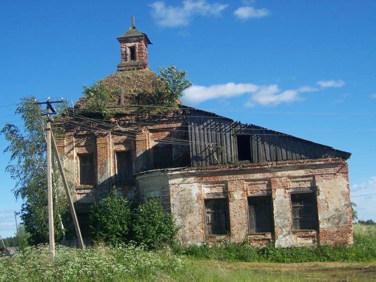 Церковь Троицы Живоначальной. Село Митино Галичский район.