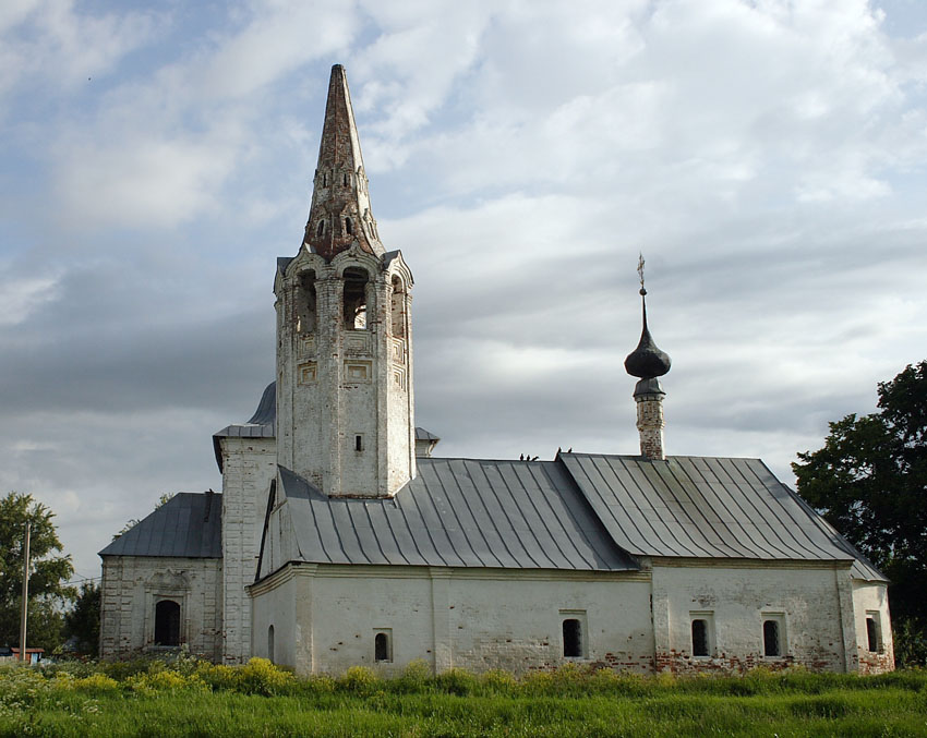 Владимирская область, Суздальский район, Суздаль. Церковь Рождества Иоанна Предтечи, фотография. общий вид в ландшафте