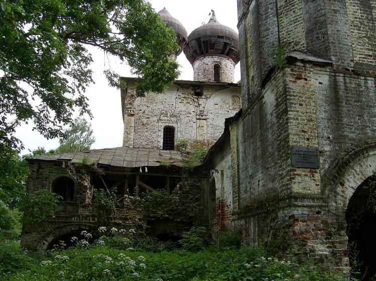 Церковь Богоявления Господня на Острову, Хопылёво