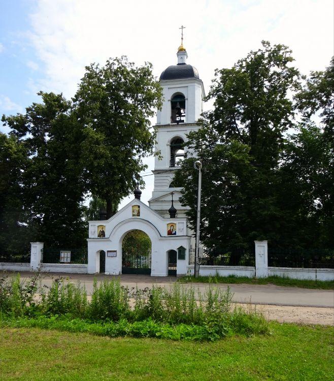 Московская область, Богородский городской округ, Бисерово. Церковь Богоявления Господня, фотография.