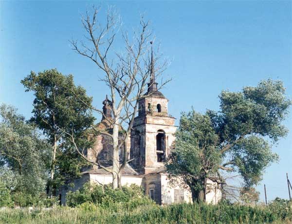 Тверская область, Калининский район, Семёновское. Церковь Димитрия Солунского, фотография. общий вид в ландшафте