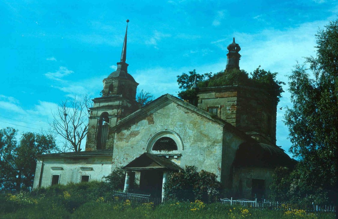 Тверская область, Калининский район, Семёновское. Церковь Димитрия Солунского, фотография. фасады, 1994
