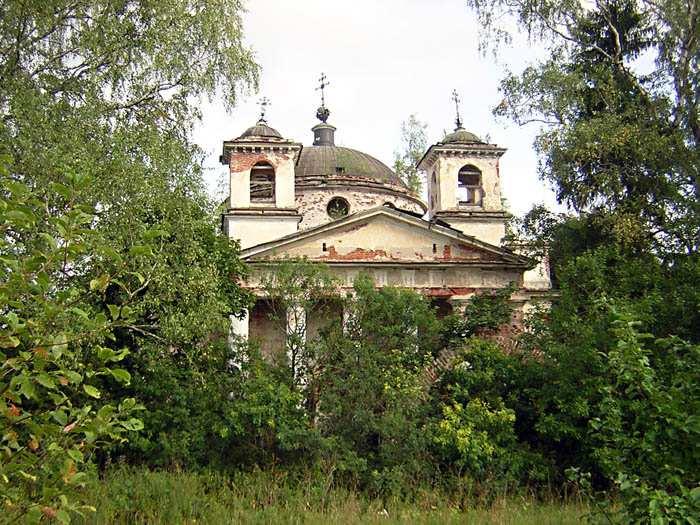 Тверская область, Торжокский район и г. Торжок, Переслегино. Церковь Петра и Павла, фотография. фасады,